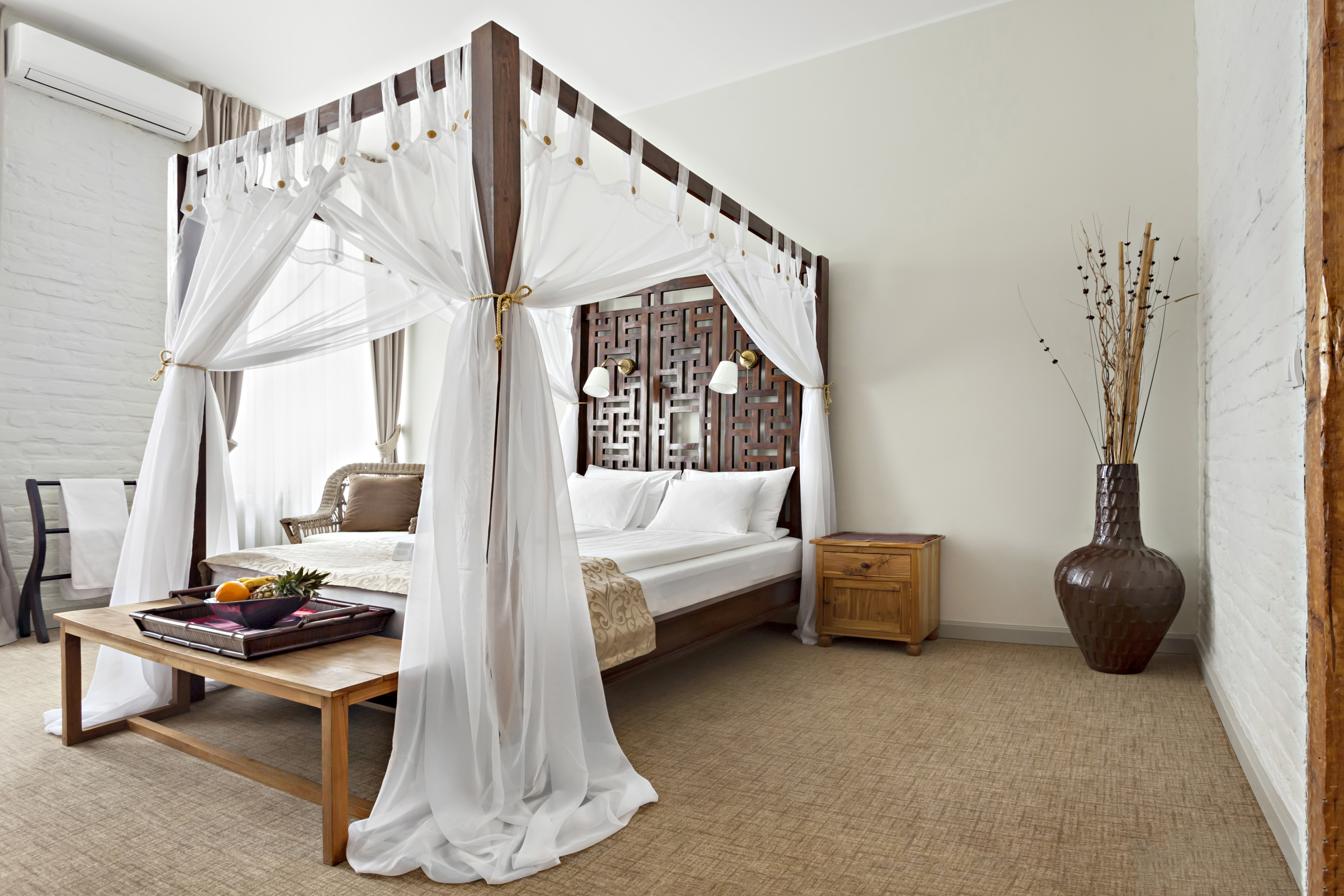 A Unique Bedding Look: The Canopy Bed - Meyers Furniture